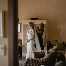 Huntington Stables Retreat for Bridal Party preparation