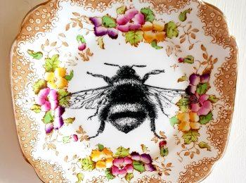 BEE WALL PLATE