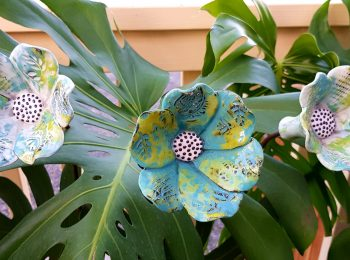 POTTERY FLOWERS TEAL